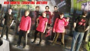 Gruppenbild des Lasertag Team Red shirts